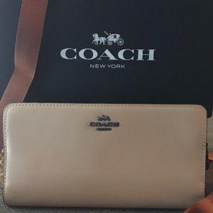 Beautiful Coach Beechwood Slim Continental Wallet